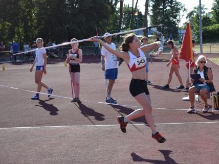 Michelle Schwarz wirft ihren Speer 19,01m weit